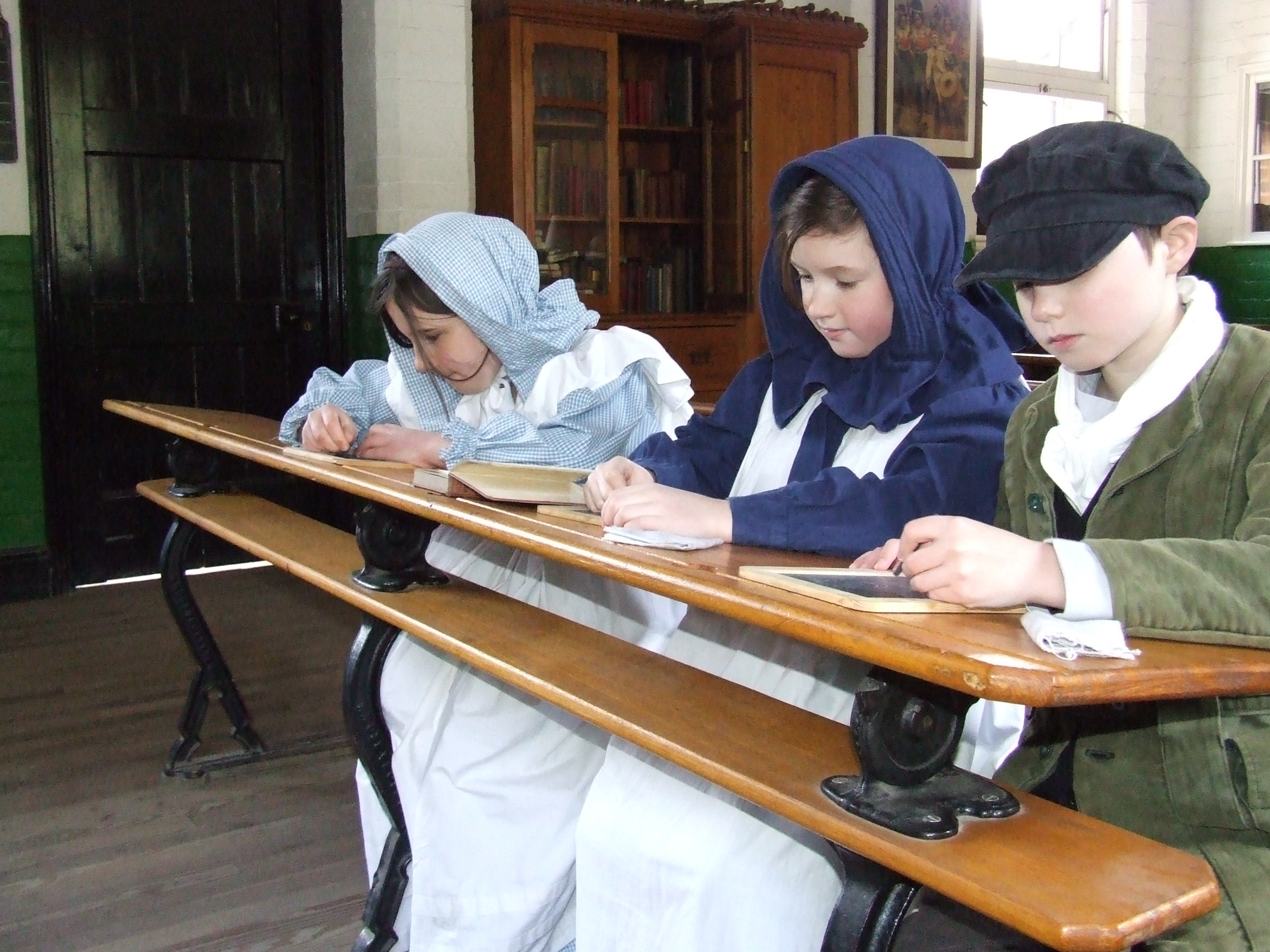 VICTORIAN SCHOOL  - TAUGHT SESSION